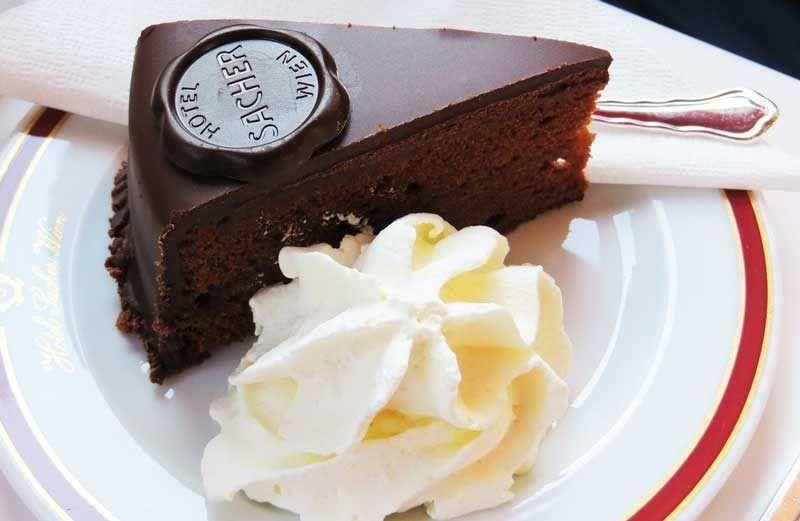 Tarta Sacher en un café de Viena | Foto: Pixabay