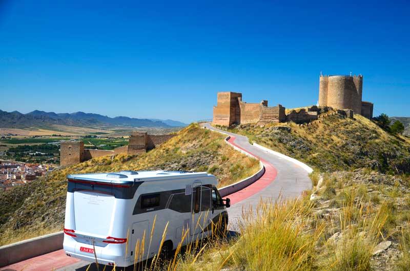Autocaravana en un lugar turístico | Foto: