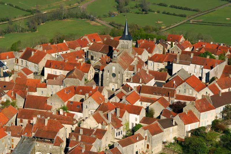 Vista aérea de Flavigny, el pueblo donde se rodó Chcolat