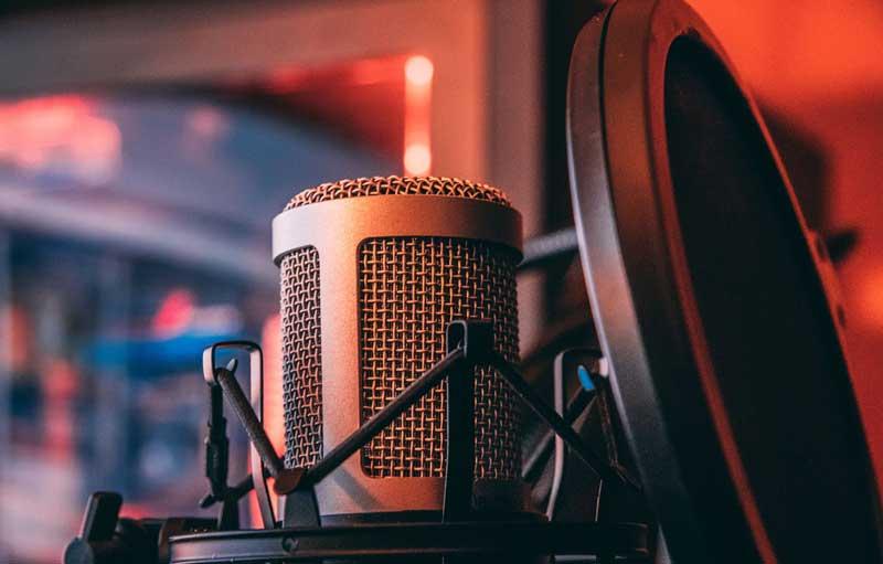 Grabación del podcast en un estudio