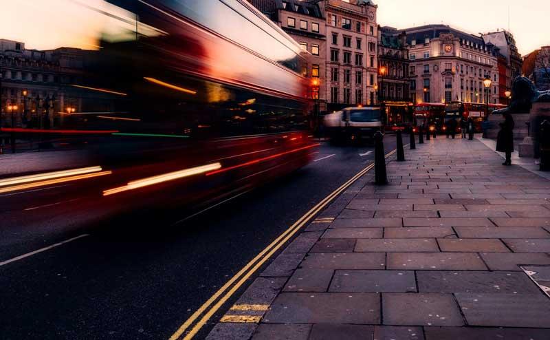 Autobús en una calle de Londres